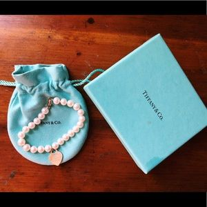 Tiffany & Co. Heart Tag Pearl Bracelet